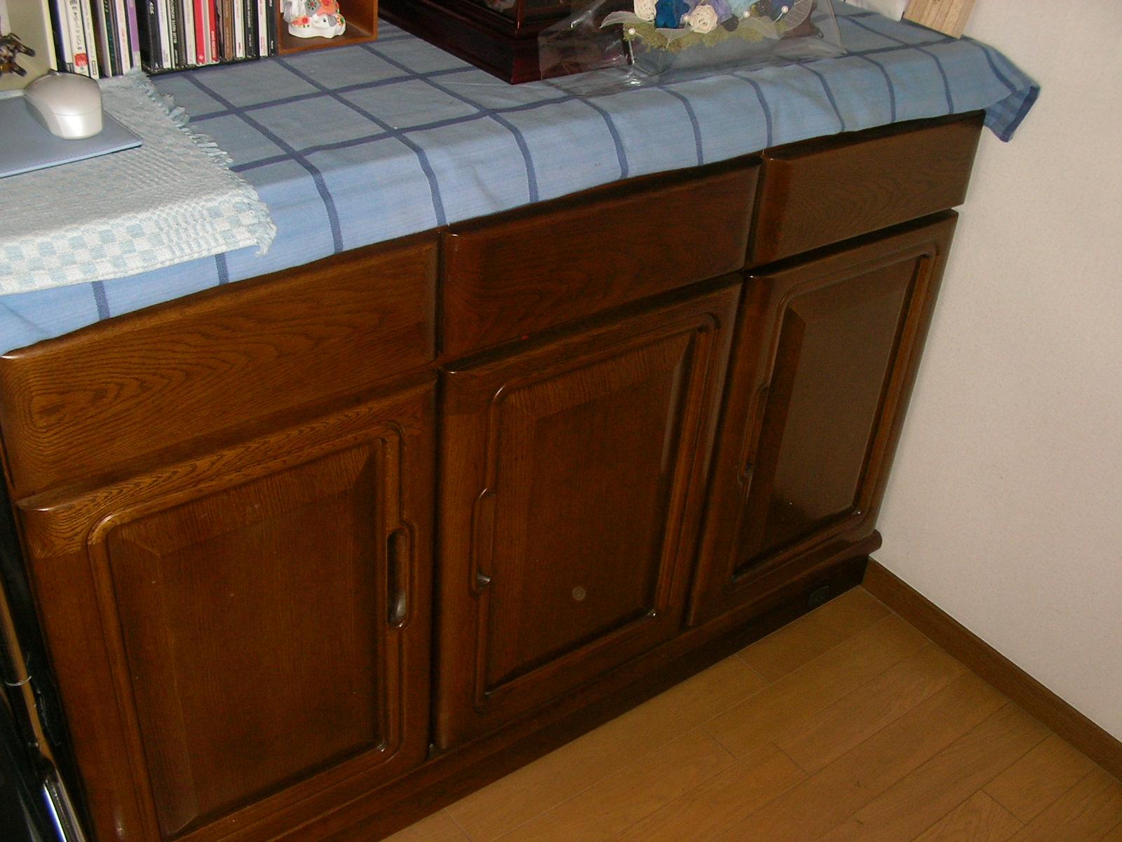 食器棚下.JPG